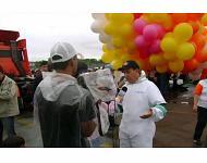 Buscan en Brasil a sacerdote que volaba con mil globos