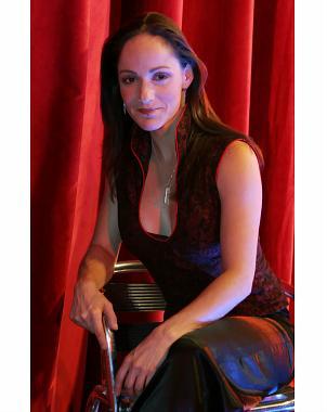 ... Lolita Cortés, brindó con el público por un 2009 colmado de paz y