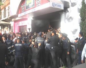 Alcanzan fianza cuatro policías de caso New's Divine