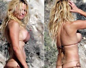 """Pamela Anderson enseña """"de más"""" en la playa"""
