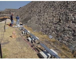 El universal protestan en teotihuac n por proyecto de for Espectaculo de luz y sonido en teotihuacan