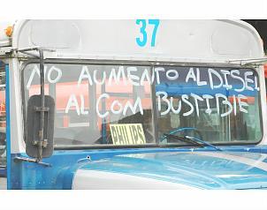 Transportistas protestan en carretera de Cuernavaca