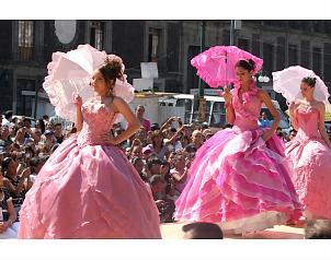 Lagunilla Unidad y de Ceremonias Lagunilla donarán 204 vestidos