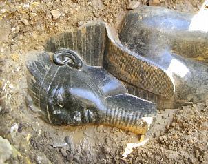 Descubren dos estatuas del faraón Amenhotep III en Luxor