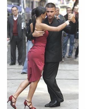 http://www.eluniversal.com.mx/img/2009/06/Nue/Tango.jpg