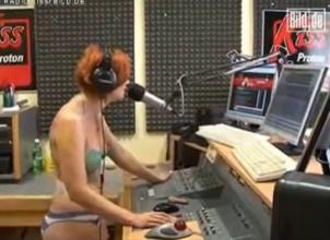 Pierde una apuesta video desnudo