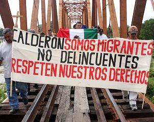 El Universal - - Migrantes exigen cese de secuestros en México