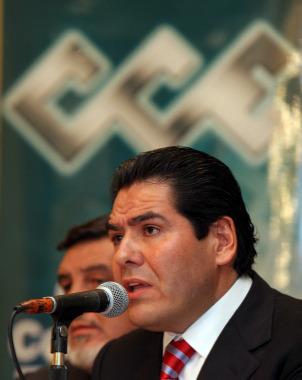 Empresarios rehúsan debatir con Calderón
