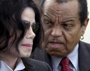 Joe Jackson NIEGA haber maltratado a MICHAEL Joejacksonmichael