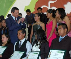 Osorio Chong destaca avances en U. Politécnica