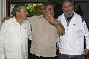 TV cubana difunde fotos de Fidel Castro con Lula