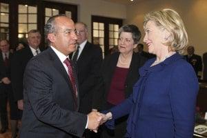 Calderón pide a Clinton atender demanda de droga