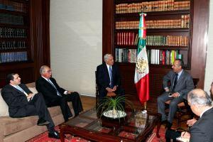 Calderón se reúne con congresistas de EU