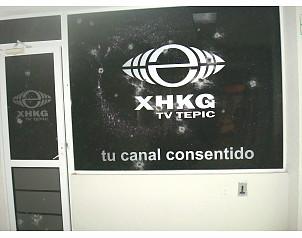 Atacan con granadas Televisa Tepic