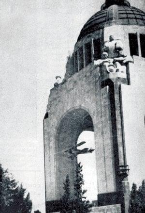 NO DEJEN DE VISITAR EL ´NUEVO´ MONUMENTO A LA REVOLUCIÓN EN EL D.F.  10-AVIONETA