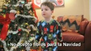 Video: Niño estalla porque recibió libro en Navidad