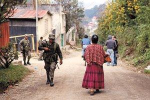 "Va Ejército de Guatemala contra ""Zetas """