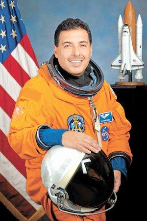 astronautas hispanos - photo #17