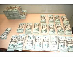 dinero chicas sumisión