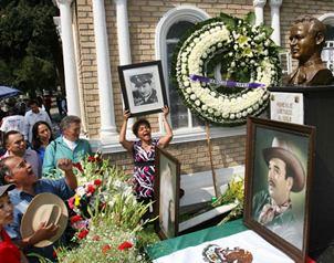 El universal recuerdan a pedro infante en 54 for Horario cementerio jardines de paz