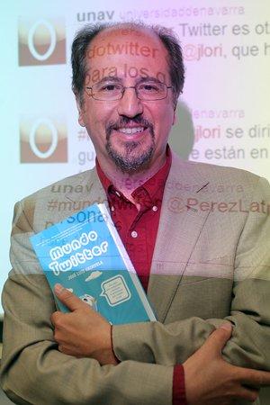 http://www.eluniversal.com.mx/img/2011/07/Com/nota_twitter_050711.jpg