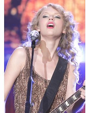 Taylor Swift Charlotte on Taylor Swift Pospone Conciertos Por Bronquitis   El Universal