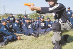 Pasan apuros 8 estados para reclutar nuevos polic�as