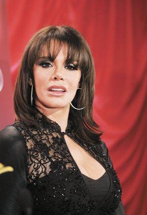 Лусия Мендес/Lucia Mendez 4 - Страница 27 Mendez09