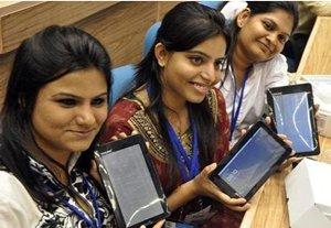 Millones piden la tableta más barata del mundo Nota_aakash-tablet_030112