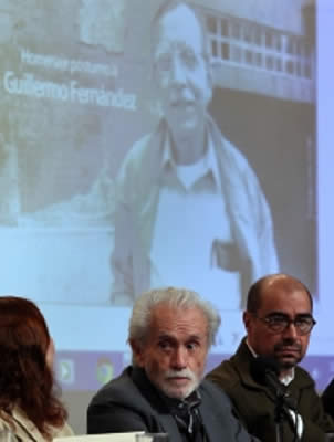 Enzia Verduchi (i), Ra�l Ren�n (c) y Jorge Esquinca (d) participaron en el homenaje