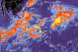 La entrada de aire tropical con alto contenido de humedad procedente de ambos litorales cubre la ma
