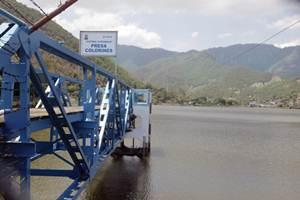 La presa Colorines es una de las que alimenta al sistema Cutzamala. Est? en Rinc?n Vivero, municipio