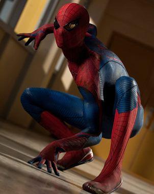 Fotograma cedido, en donde aparece el actor Andrew Garfield en el papel del Hombre Ara?a, durante un