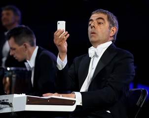 El actor estuvo acompa?ado por la presencia musical de la Orquesta Sinf?nica de Londres, dirigida po