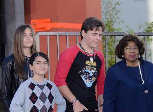 adolescentes tienen la posibilidad de aprobar o no a sus guardianes de acuerdo con las leyes de Cali