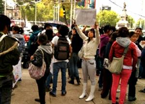 Muhos de los estudiantes que fueron rechazados en el examen de ingreso a la Universidad han exigido