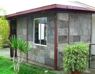 El universal mexicanos construyen casas ecol gicas for Casas de plastico para jardin mexico
