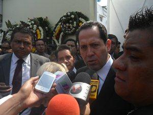 El gobernador mexiquense, Eruviel �vila, dio el p�same a la familia del diputado electo asesinado, J