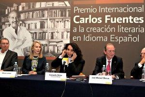 Otorgan a Vargas Llosa Premio Carlos Fuentes