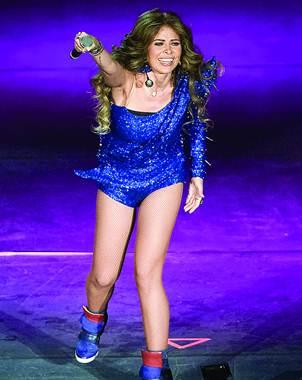 Despu�s de casi tres horas de concierto, Gloria Trevi realiz� un cambio m�s para despedirse de su p�