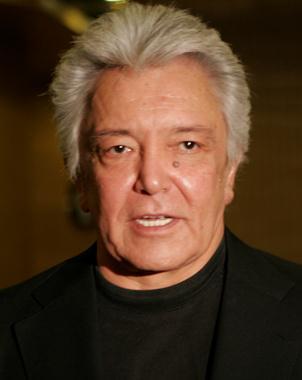 Alberto Vázquez Gurrola (Guaymas, Sonora, 20 de abril de 1940) es un cantante y actor mexicano mejor conocido como Alberto Vázquez que formó parte de la ... - alberto_vazquez_estalla