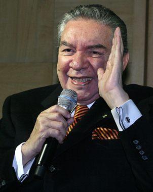 El cantante agradece el cari�o brindado en su carrera, donde ha pisado todo tipo de escenarios nacio