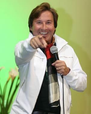 El cantautor dice estar en la plenitud de su vida personal y profesional.