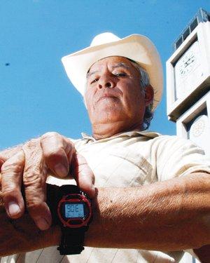 El Universal Naci 243 N Atrase Su Reloj Hoy En La Noche
