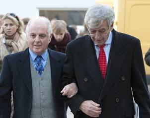 El director de orquesta y pianista Daniel Barenboim (izquierda) y el primer secretario alem�n de Cul