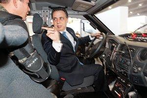 Actualmente el secretario tiene una camioneta marca Chevrolet suburban