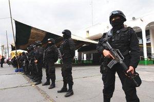 Polic�as de la Secretar�a de Seguridad Ciudadana vigilaron el operativo de la Procuradur�a mexiquens