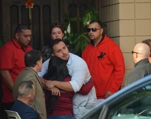 La familia de la fallecida cantante se reuni� en casa de sus padres