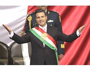 El presidente Enrique Pe�a Nieto tom� protesta a su gabinete de seguridad