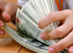 El euro se vende hasta en 17.85 pesos, mientras que el menor costo a la compra es de 15.90 pesos